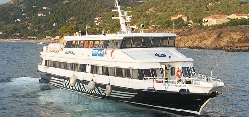 Monocarene e Catamarani Alilauro citta di sorrento