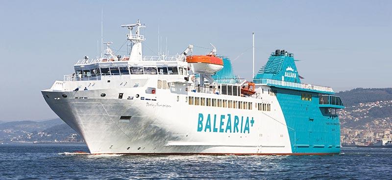 Nave Traghetto Balearia passio per formentera