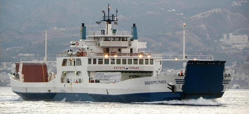 Navi Short Shipping Caronte & Tourist franza