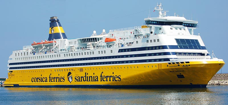 Navi Cruise Corsica Ferries mega smeralda