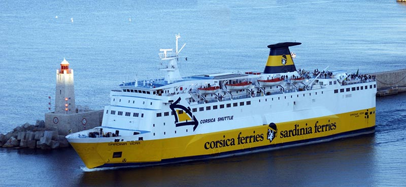 Nave Traghetto Corsica Ferries sardinia vera