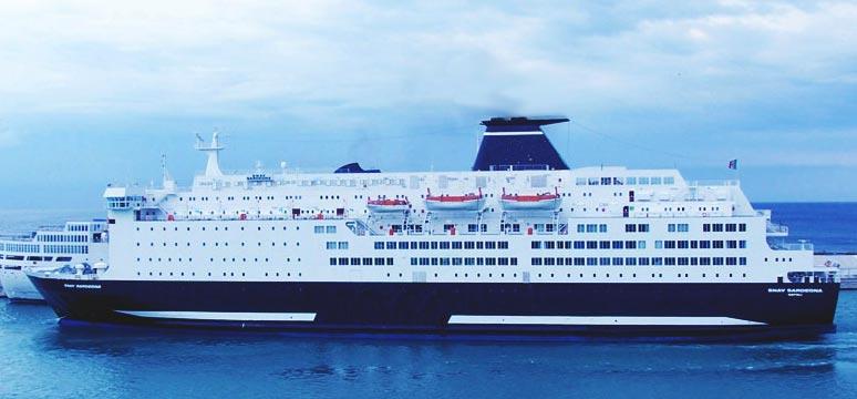 Scopri la flotta Grandi Navi Veloci: traghetto SNAV Sardegna
