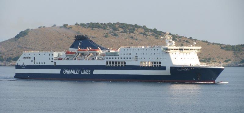 Navi Fast Cruise Grimaldi Lines zeus palace