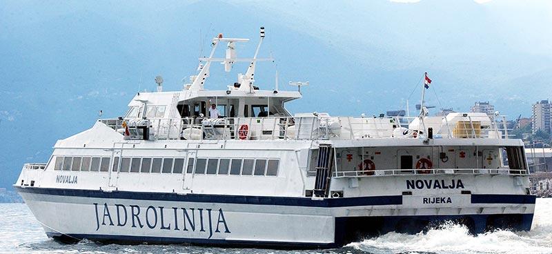 Monocarene e Catamarani Jadrolinija novalja