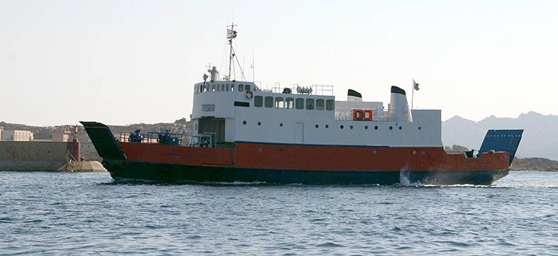 Nave Traghetto Laziomar teseo
