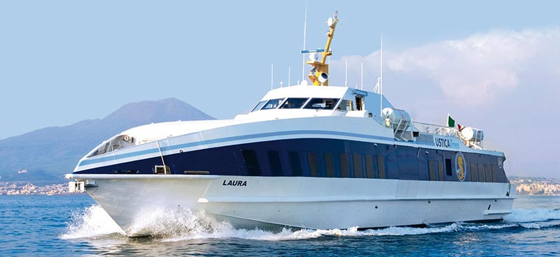Monocarene e Catamarani Liberty Lines laura