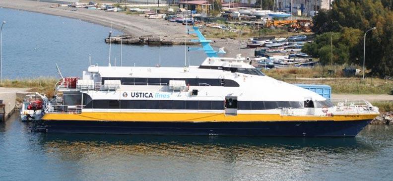 Monocarene e Catamarani Liberty Lines vittoria m
