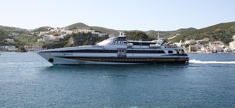 Monocarene e Catamarani Navigazione Libera del Golfo vesuvio jet