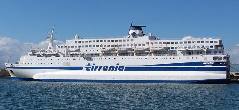 Scopri la flotta tirrenia traghetto aurelia for Nave sardegna
