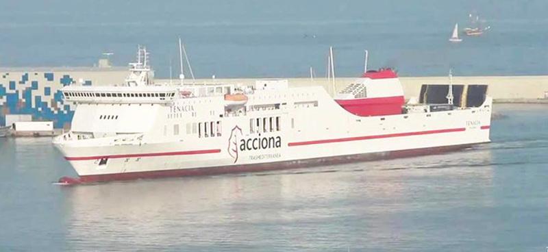 Nave Traghetto Trasmediterranea tenacia